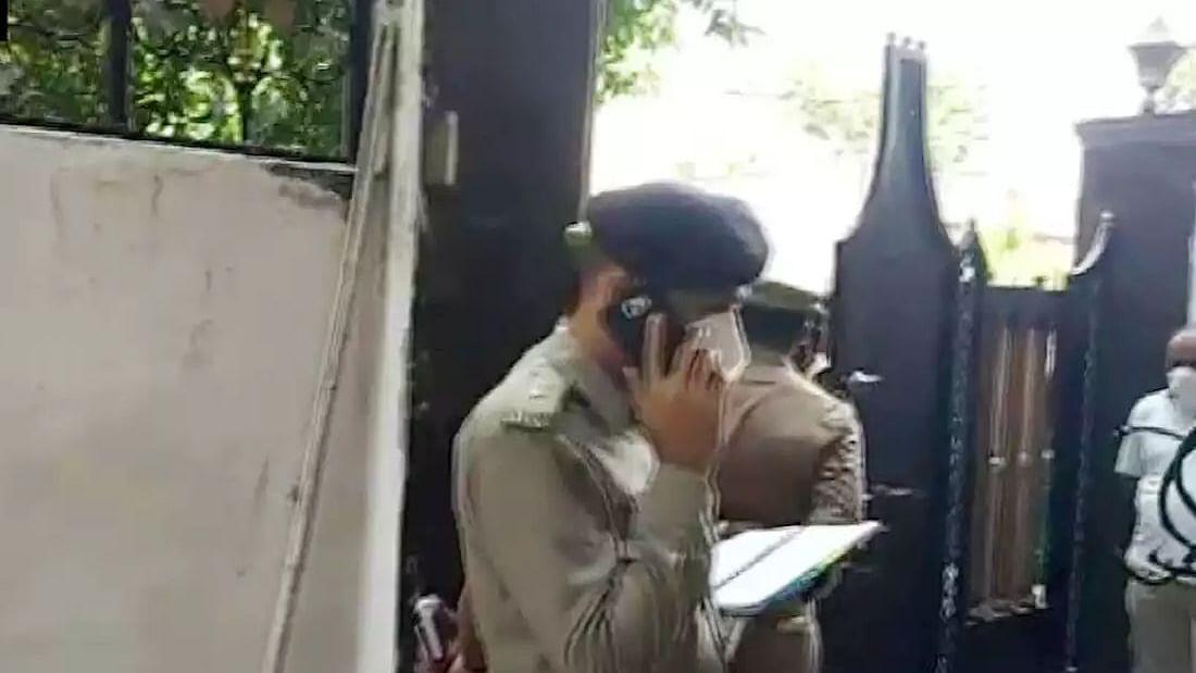 लखनऊ में  मुख्यमंत्री आवास के पास डबल मर्डर, वरिष्ठ रेलवे अफसर की पत्नी और बेटे की गोली मारकर हत्या