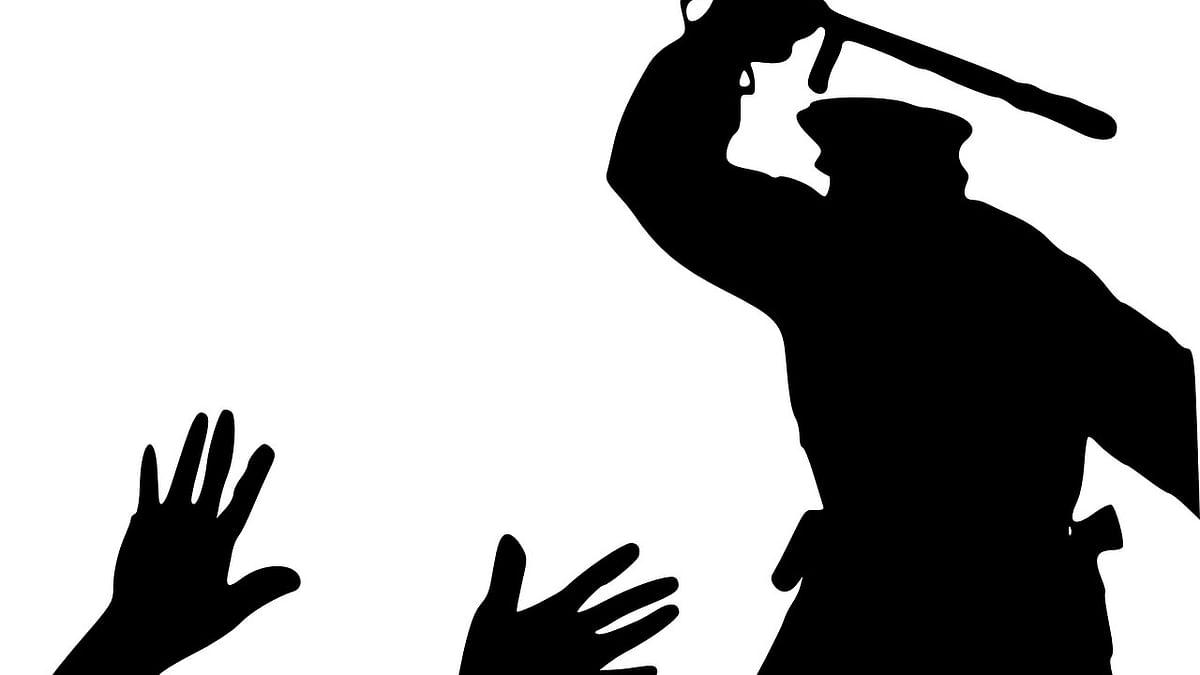उत्तर प्रदेश: आगरा में मरीज की मौत के बाद परिजनों का हंगामा, अस्पताल में की तोड़फोड़, लापरवाही का लगाया आरोप