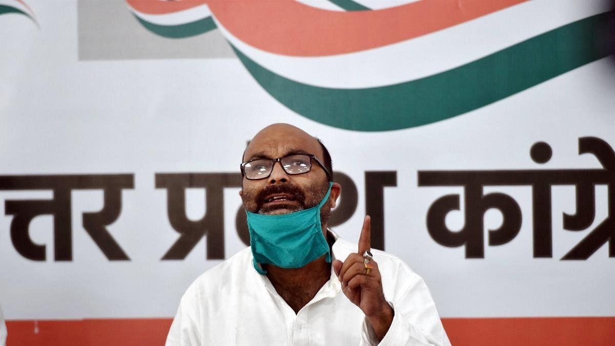 'भूमाफियाओं और सत्ता के गठजोड़ से यूपी में हत्याओं का अंबार, 2 साल में 20 साधुओं की हत्या'