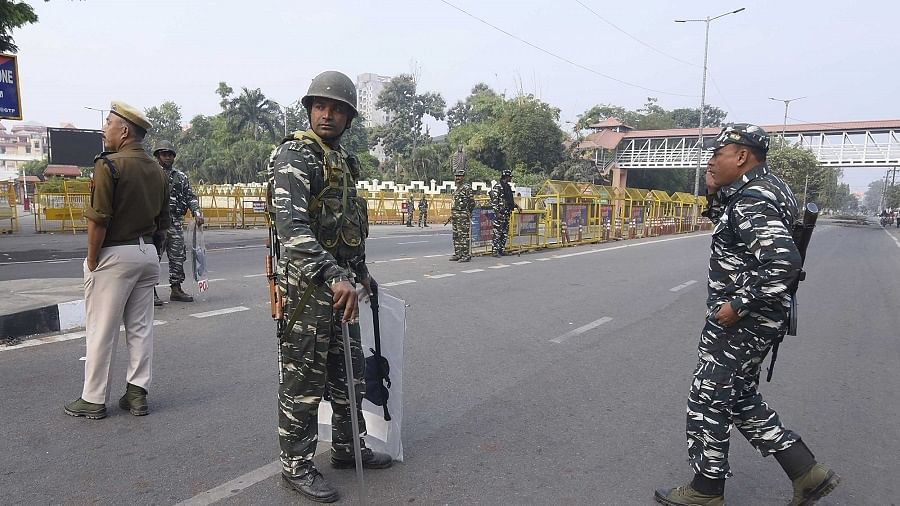असम के सिलचर में कई इलाकों में कर्फ्यू, दो धार्मिक गुटों में पत्थरबाजी के बाद तनाव