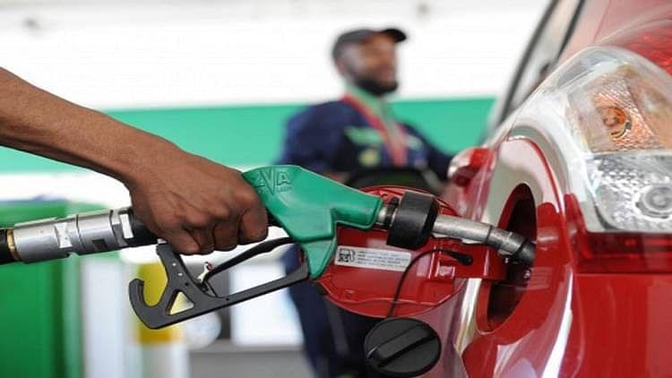 अंतर्राष्ट्रीय बाजार में 5 महीने की उंचाई के करीब पहुंचा कच्चे तेल का भाव, भारत में बढ़ सकते हैं तेल के दाम!