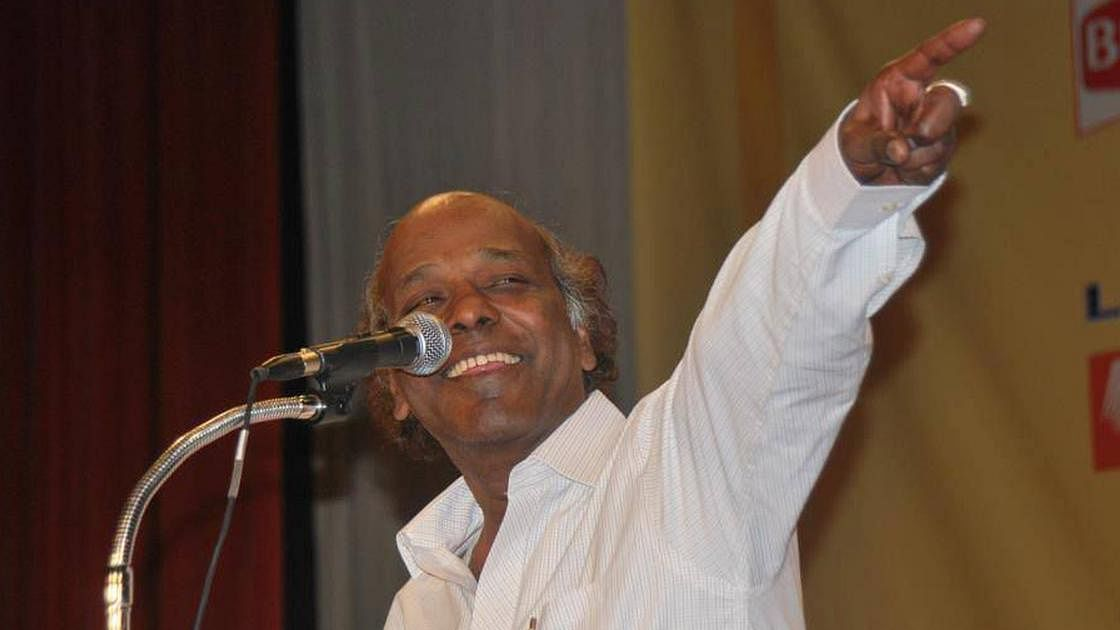 शायर राहत इंदौरी नहीं रहे, कोरोना के बाद दिल का दौरा पड़ने से निधन, राहुल गांधी समेत कई हस्तियों ने जताया दुख