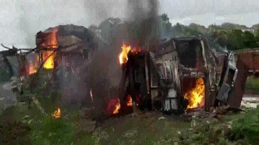 मध्य प्रदेश: दो ट्रकों की टक्कर के बाद भीषण आग, दोनों ड्राइवरों की जिंदा जलकर मौत, सामने आई भयावह तस्वीरें