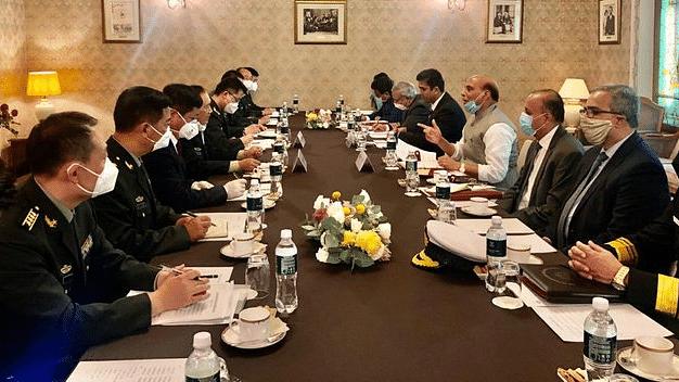 LAC पर तनाव के बीच राजनाथ ने चीन के रक्षामंत्री से की मुलाकात, रूस दौरे पर मिले दोनों नेता