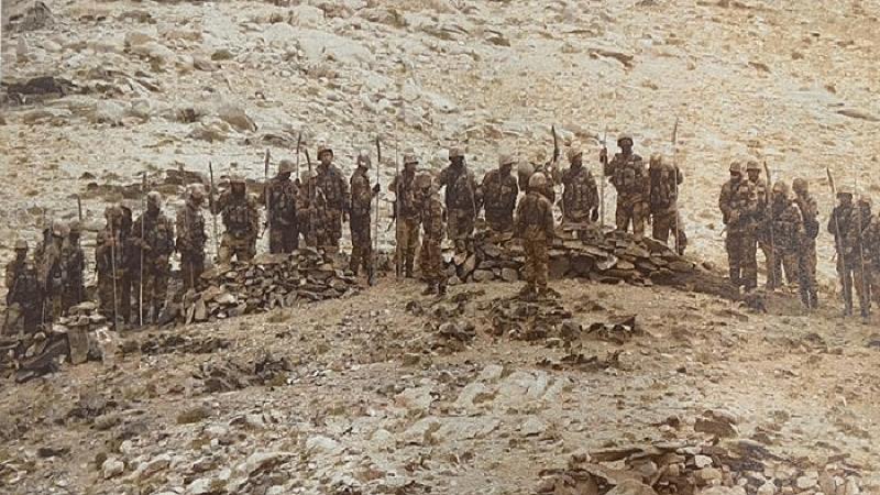 एलएसी पर फिर से खूनी झड़प की संभावना, भाले, बंदूकों से लैस चीनी सैनिक भारतीय सेना के करीब पहुंचे