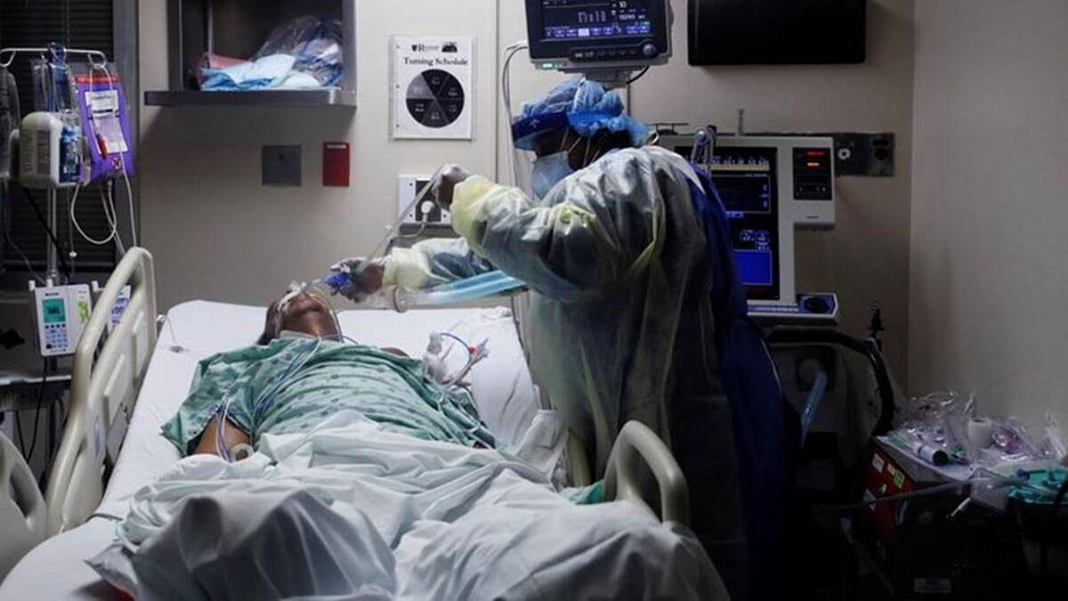 यूपी में भगवान भरोसे कोरोना पॉजिटिव, होम आइसोलेशन के मरीजों को फोन न दवा, खरीद में भी भ्रष्टाचार