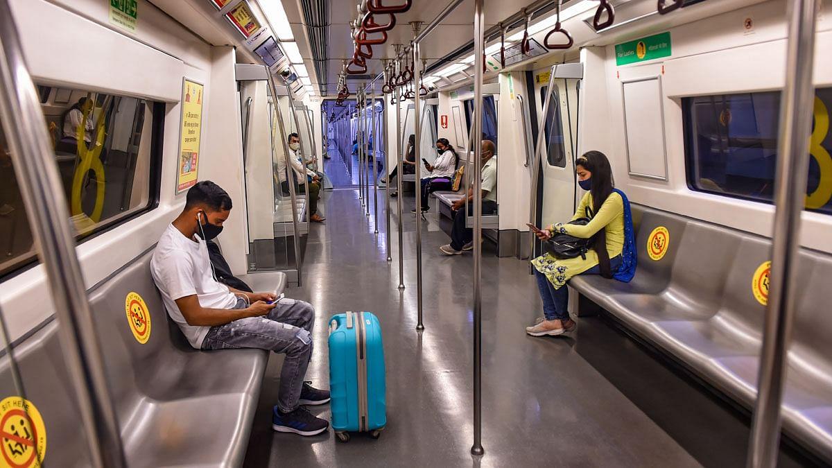 मेट्रो स्टोशन पर लौटी रौनक! 12 सितंबर से सभी लाइनों पर दौड़ेगी मेट्रो, डीएमआरसी ने की लोगों से ये अपील