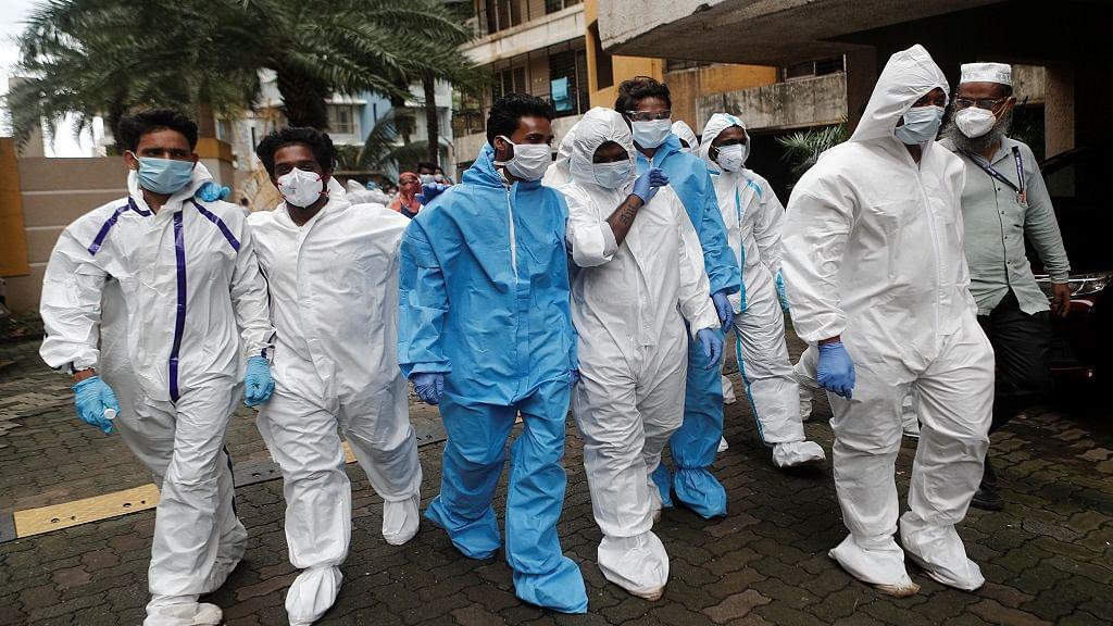 देश में 24 घंटे में फिर 90 हजार से ज्यादा कोरोना के नए केस, 1136 लोगों की गई जान, कुल संक्रमित 48 लाख के पार