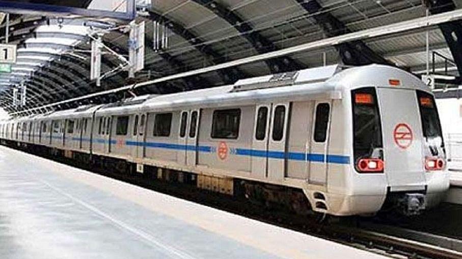 कहीं जाना है तो नोट कर लें समय, आज रात सिर्फ 10 बजे तक ही चलेगी दिल्ली मेट्रो