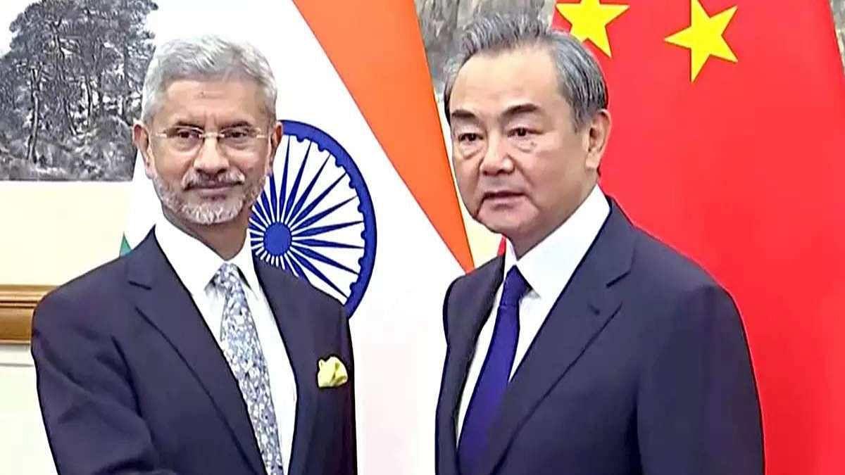 भारत-चीन विदेश मंत्रियों के साझा बयान में जो बात नहीं लिखी है, वह यह कि युद्ध का खतरा टला नहीं है