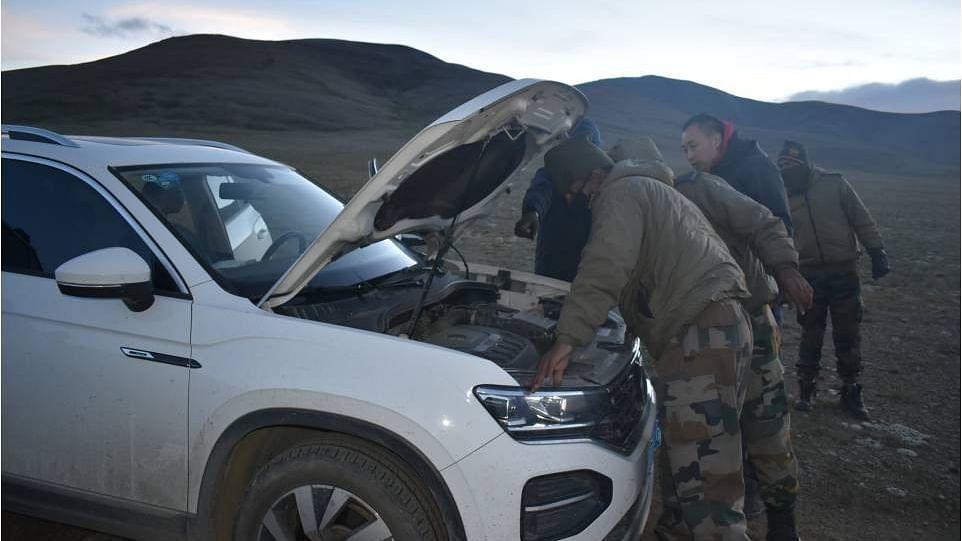 चीन से तनाव में भी भारतीय सेना नहीं भूली मानवता, सिक्किम में फंसे चीनी नागरिकों को बचाया