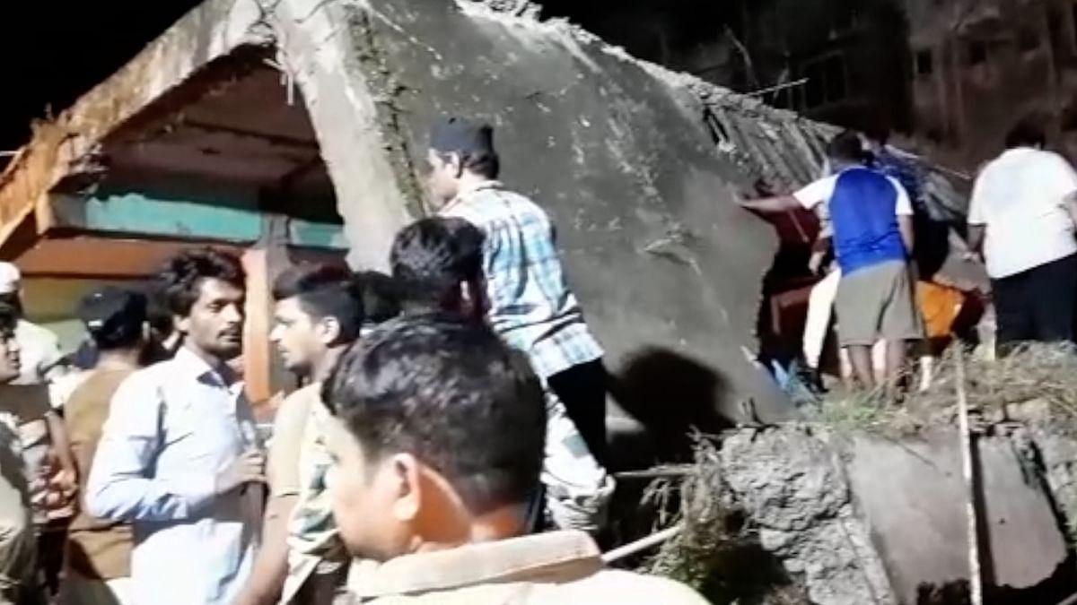 भिवंडी हादसा अपडेट: अब तक 20 लोगों की मौत, 25 से ज्यादा लोगों को मलबे से निकाला गया, बचाव कार्य जारी