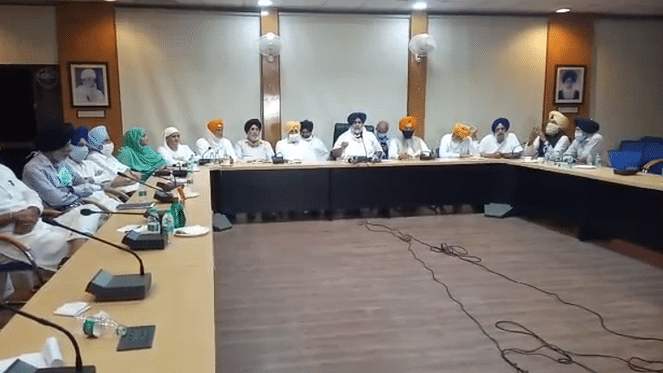 बड़ी खबर LIVE: अकाली दल ने एनडीए से नाता तोड़ने का फैसला किया, कृषि विधेयकों के खिलाफ लिया फैसला