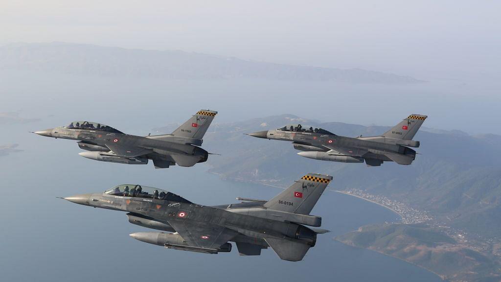 अमेरिकी लड़ाकू विमान खरीदने की शतरंजबाजी: ट्रंप की झिड़की-झप्पी के आगे 'मेक इन इंडिया' ताक पर