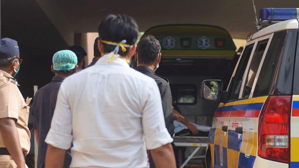 सिनेजीवन: सुशांत के मर्डर का हुआ था लाइव टेलीकास्ट! वकील का दावा और रिया समेत अन्य की जमानत याचिका खारिज