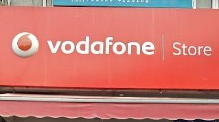 अर्थ जगत की 5 बड़ी खबरें: एजीआर पर फैसले के बाद वोडाफोन आईडिया के शेयर गिरे और पेट्रोल के दाम फिर बढ़े