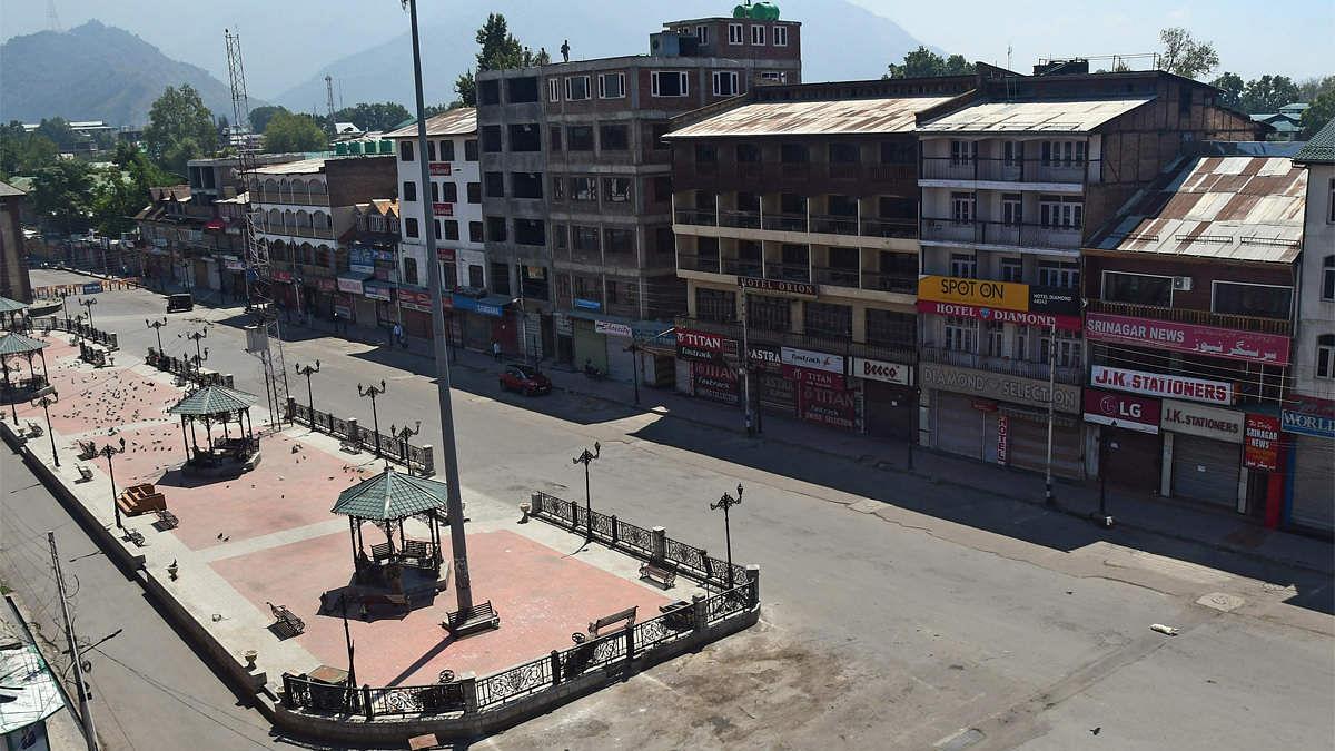 जम्मू-कश्मीर में अब देश का कोई भी व्यक्ति खरीद सकता है जमीन, केंद्र सरकार ने जारी की अधिसूचना