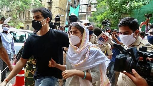 रिया के वकील का बड़ा आरोप, कहा- सुशांत का परिवार कर रहा है जांच में हस्तक्षेप और सबूतों से छेड़छाड़