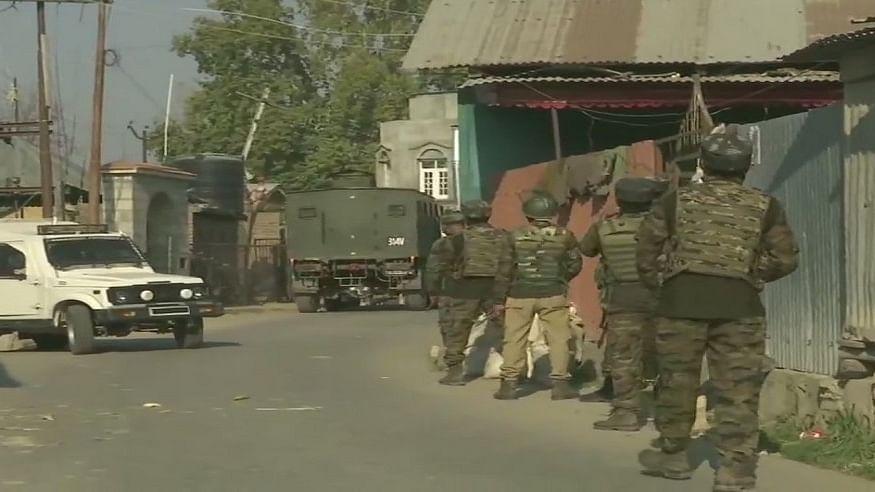 बड़ी खबर LIVE: जम्मू-कश्मीर के पुलवामा में सुरक्षा बलों से मुठभेड़ में दो आतंकी ढेर