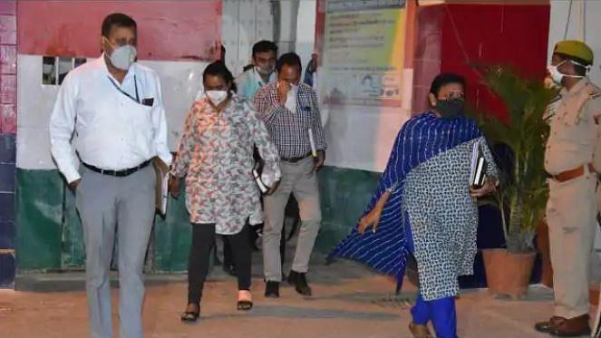 बड़ी खबर LIVE: हाथरस कांड के चारों आरोपियों से सीबीआई ने की पूछताछ, अलीगढ़ जेल से 7 घंटे बाद निकली टीम