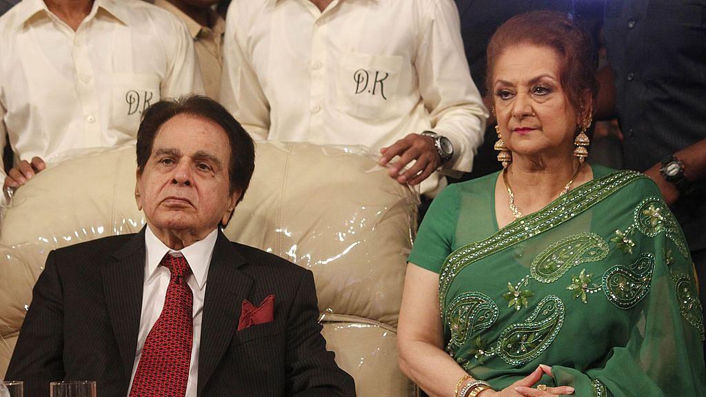इस साल शादी की सालगिरह नहीं मनाएंगे दिलीप कुमार और सायरा बानो, जानिए क्या है वजह?