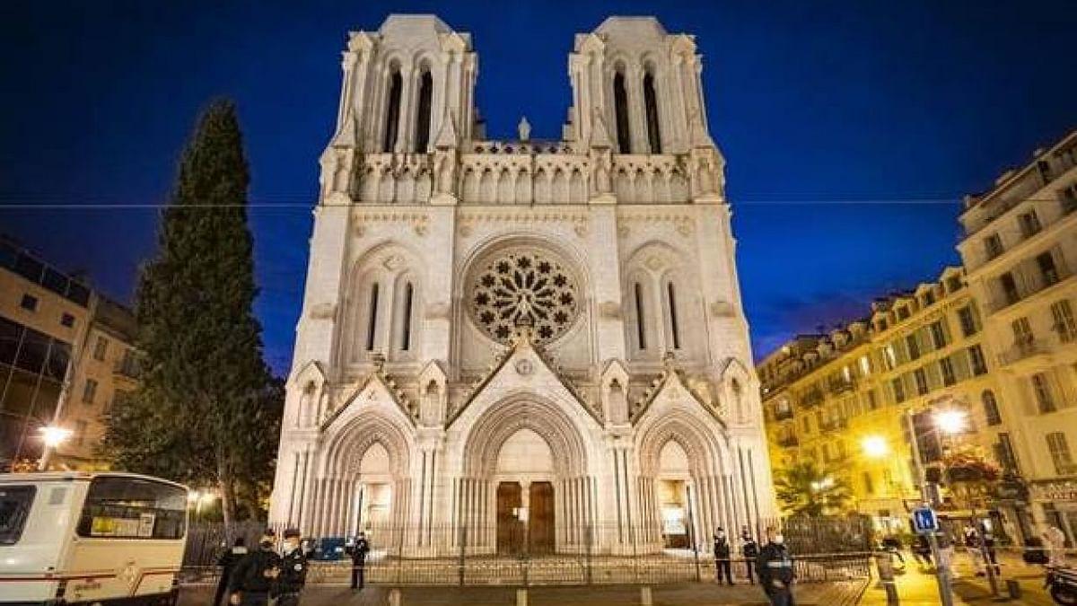 प्रवासी नाव में सवार होकर ट्यूनीशिया से आया था फ्रांसीसी चर्च में हमला करने वाला, स्थानीय व्यक्ति के संपर्क में था