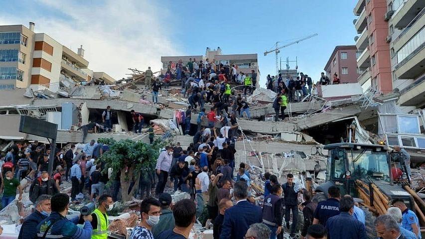 भूकंप के जोरदार झटकों से दहला तुर्की और ग्रीस, कई इमारतें जमींदोज, सड़कों में आई दरार