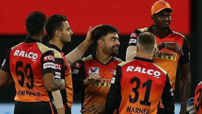 बड़ी खबर LIVE: आईपीएल के 47वें मैच में हैदराबाद ने दिल्ली को दी बड़ी मात, राशिद खान ने तोड़ी कमर