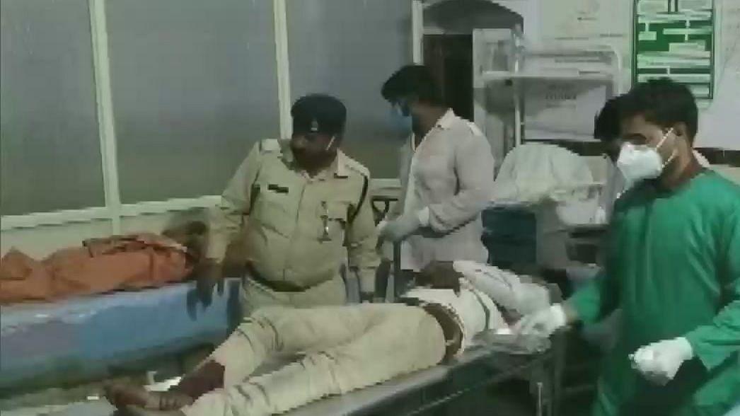 मध्य प्रदेश के धार में भीषण सड़क हादसा, पिकअप को टैंकर ने मारी टक्कर, 6 मजदूरों की मौत, 24 घायल