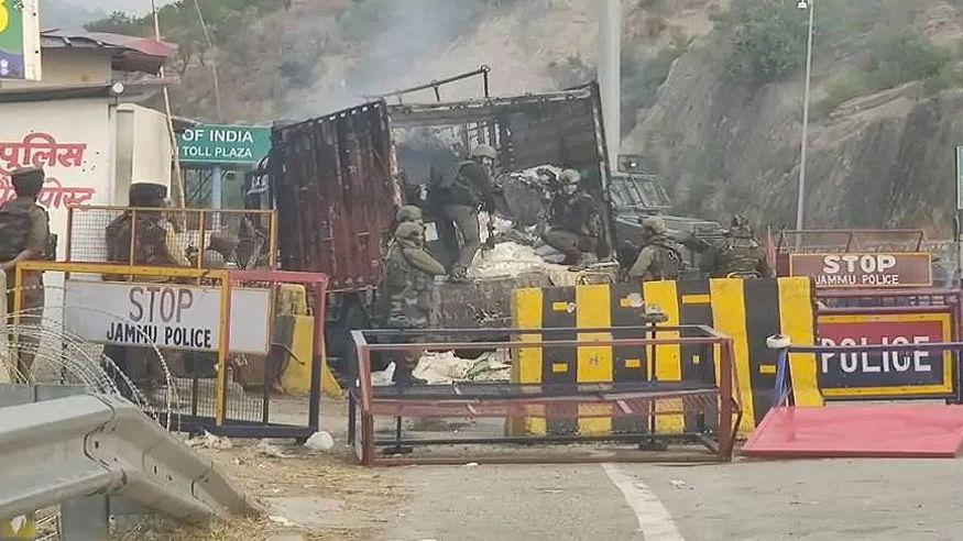 जम्मू-कश्मीर के नगरोटा में सुरक्षा बलों से मुठभेड़ में 4 आतंकी ढेर, ट्रक में सवार होकर जा रहे थे आतंकवादी