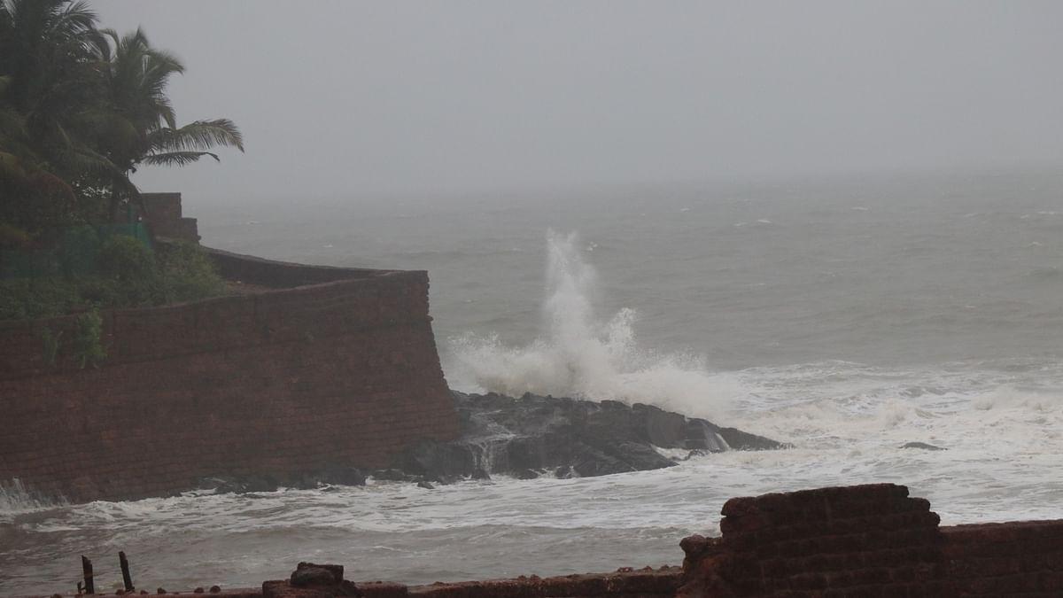 और तेज हुआ चक्रवाती तूफान निवार, बुधवार को तमिलनाडु, पुडुचेरी तट करेगा पार