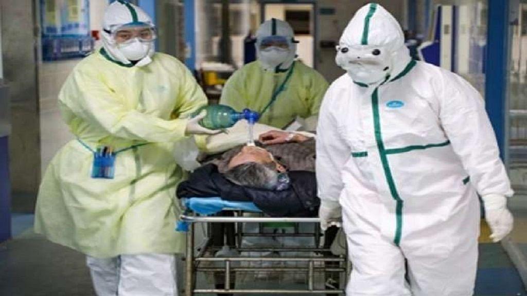 अमेरिका में कोरोना वायरस से फिर कोहराम! 24 घंटे में 1400 लोगों की मौत, रिकॉर्ड 2 लाख से ज्यादा नए केस आए सामने