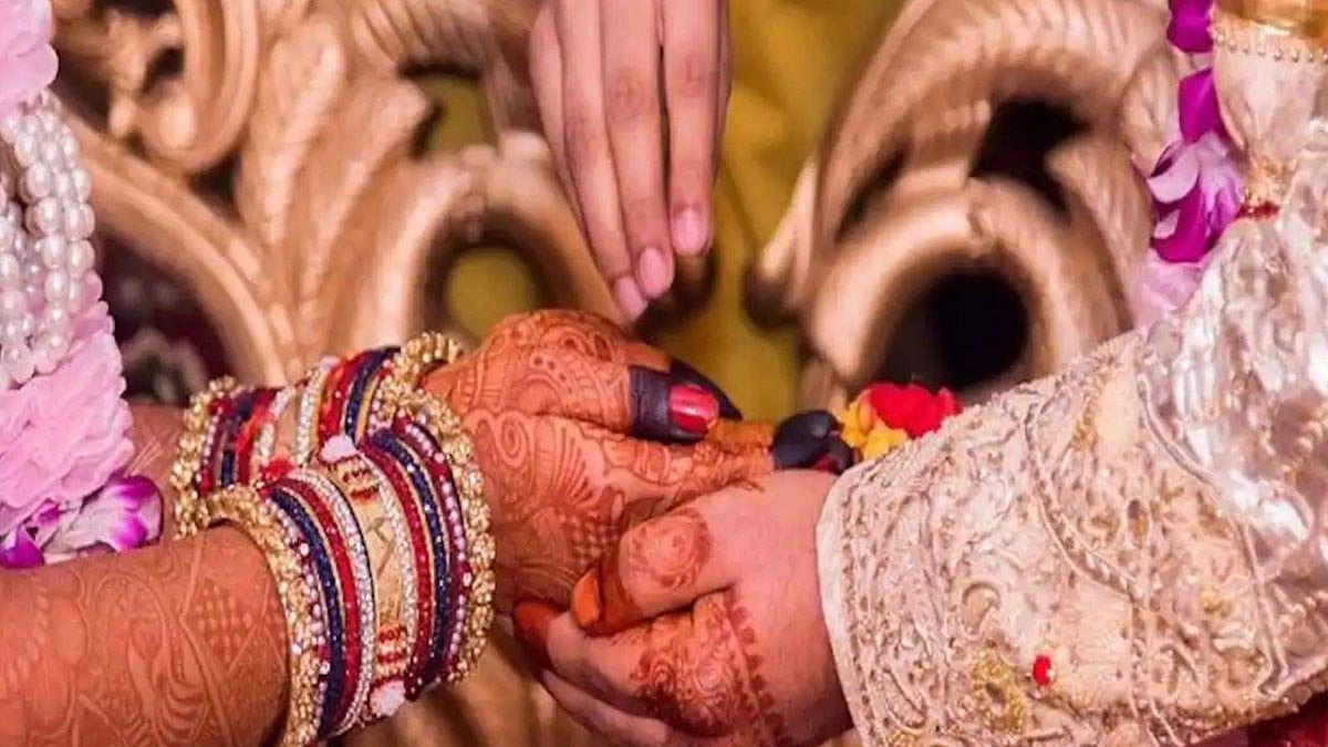 कोरोना के कारण पाबंदियों का दौरा शुरू, नोएडा में भी शादी समारोह सिर्फ 100 लोगों को ही शामिल होने की इजाजत