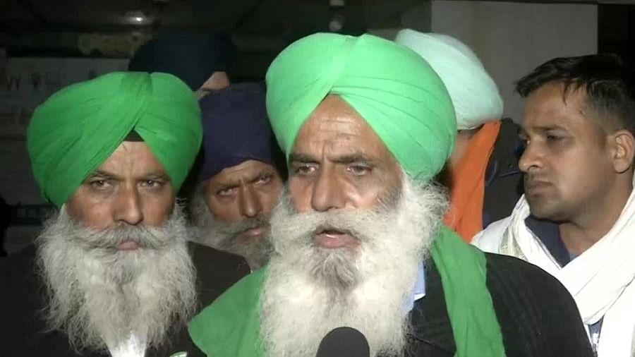 Farmers Protest LIVE: किसानों ने वार्ता के लिए अमित शाह की शर्त पर जताया ऐतराज, सुबह बैठक में लेंगे  फैसला