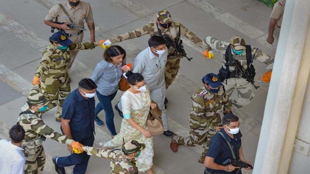 नवजीवन बुलेटिन: राजद्रोह मामले में कंगना रनौत को मुंबई पुलिस का समन और लोन मोरेटोरियम पर सुनवाई टली