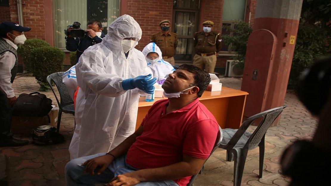 कोरोना अपडेट: देश में 24 घंटे में 38,617 नए केस, 474 लोगों की गई जान, कुल संक्रमित 89 लाख के पार