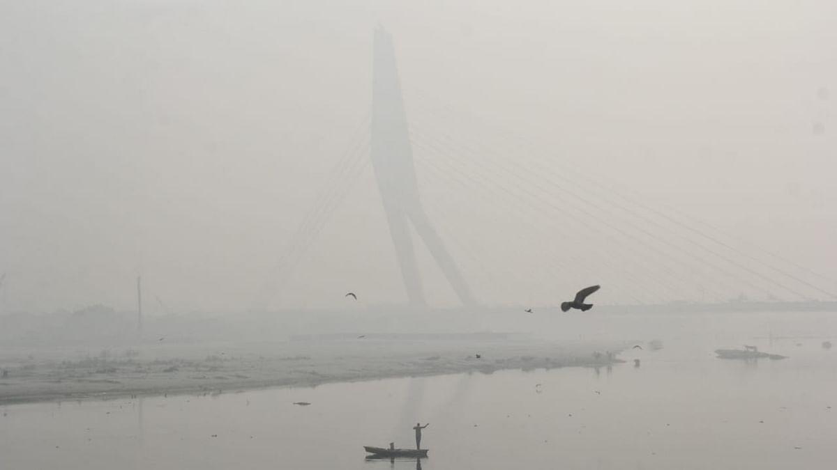 दिल्ली गैस के चैंबर में तब्दील! सांस लेने लायक हवा नहीं, विजिबिलिटी न के बराबर