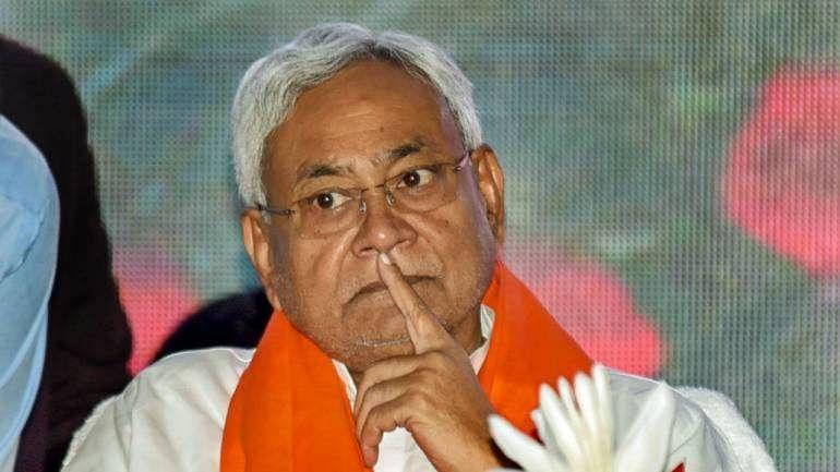 नीतीश के 'आखिरी चुनाव' वाले बयान पर तेजस्वी ने कसा तंज, चिराग ने भी कहा- अगली बार न साहब रहेंगे, न जेडीयू