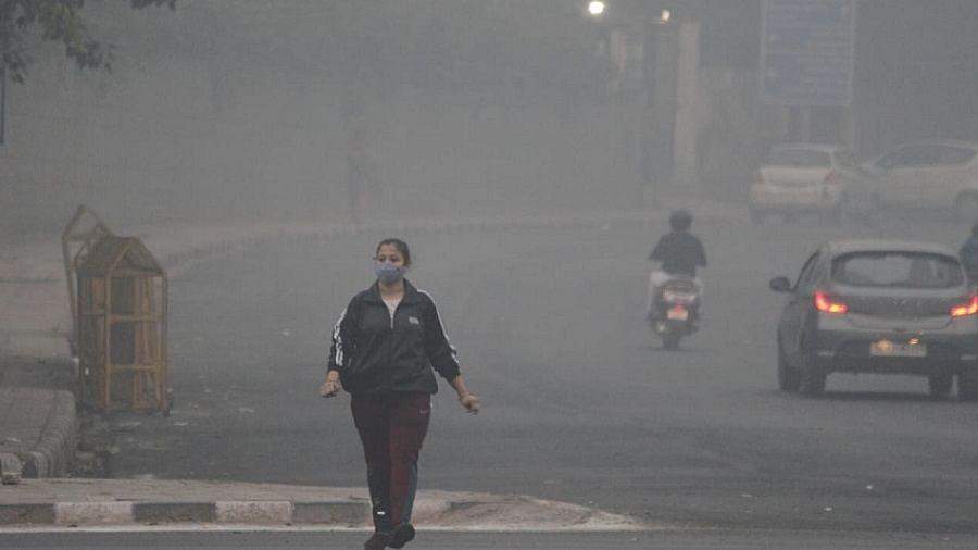 दिवाली के 'धुएं' से पहले ही दिल्ली की हवा हुई खतरनाक, रात तक और 'गंभीर' होना तय
