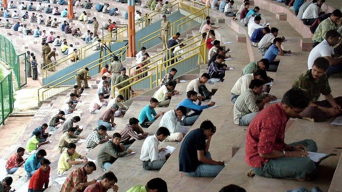 लॉकडाउन हटने के बाद भी बढ़ता जा रहा संकट, अक्टूबर में और बढ़ गई बेरोजगारी, ग्रामीण भारत में बुरे हालात