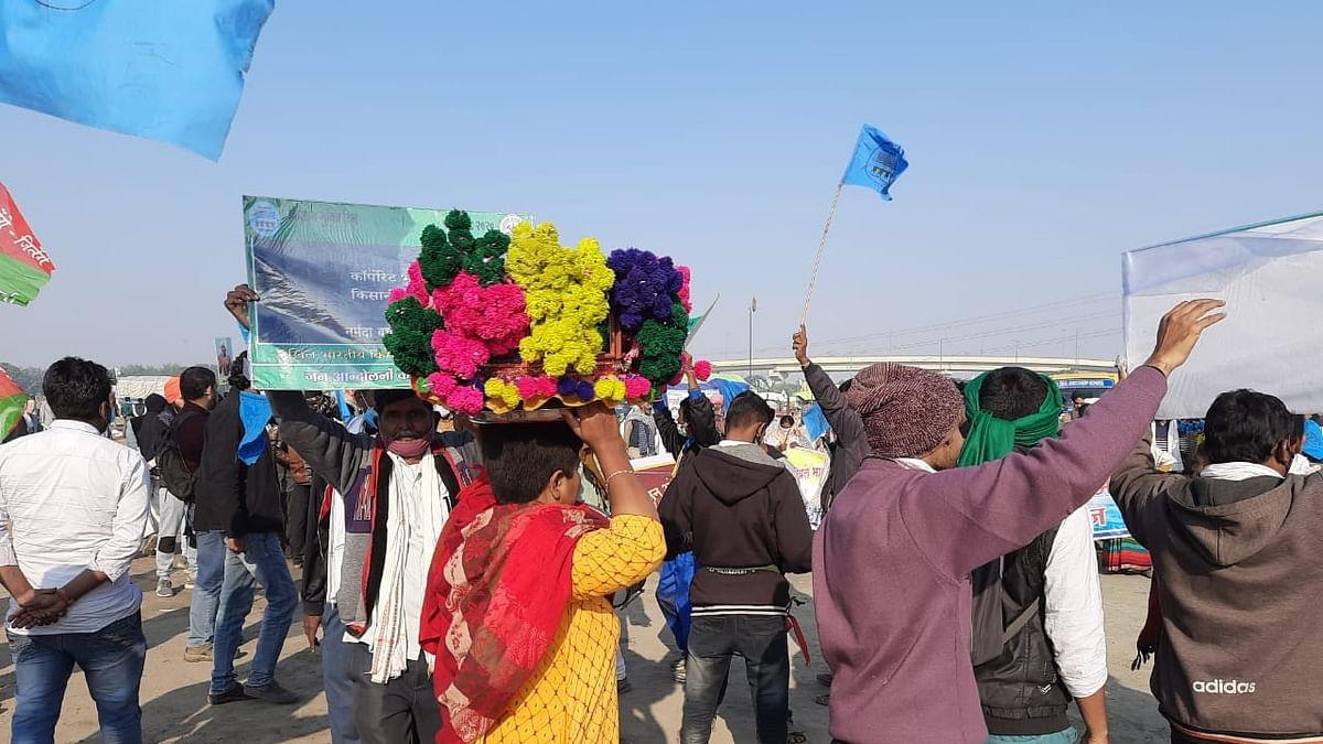 कृषि कानून: किसानों का विरोध प्रदर्शन जारी, निरंकारी मैदान में महिलाओं ने शिबली नृत्य कर जताया सरकार का विरोध