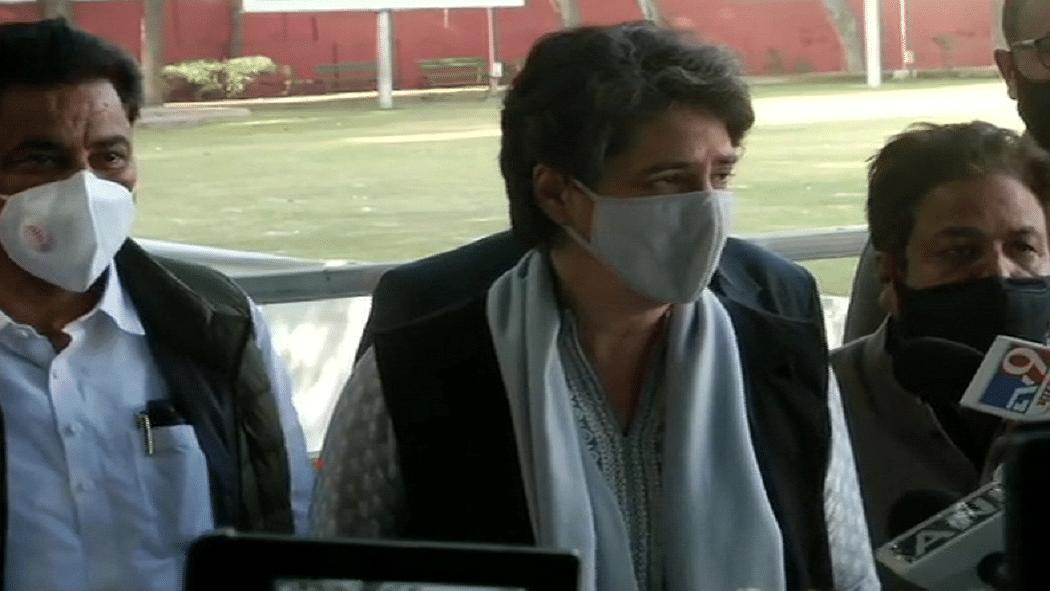 वीडियो: प्रियंका गांधी ने किसानों के लिए गलत शब्दों के इस्तेमाल को बताया पाप, बोलीं- अन्नदाताओं की आवाज को सुने सरकार