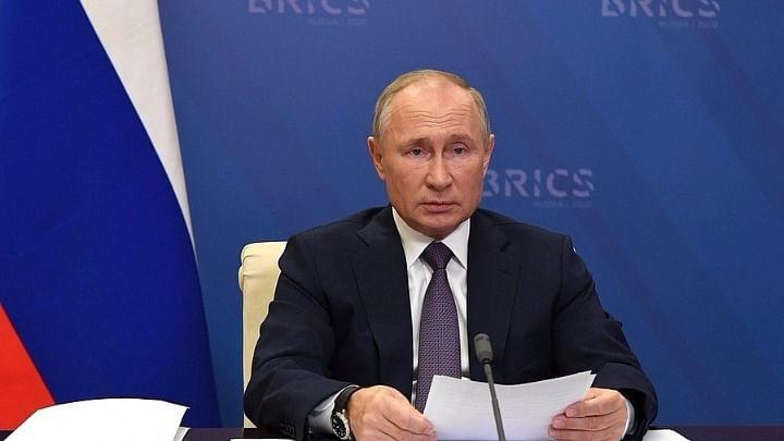 दुनिया की 5 बड़ी खबरें: आखिरकार पुतिन ने बाइडेन को दी जीत की बधाई और अमेरिका के अटॉर्नी जनरल विलियम बर्र का इस्तीफा