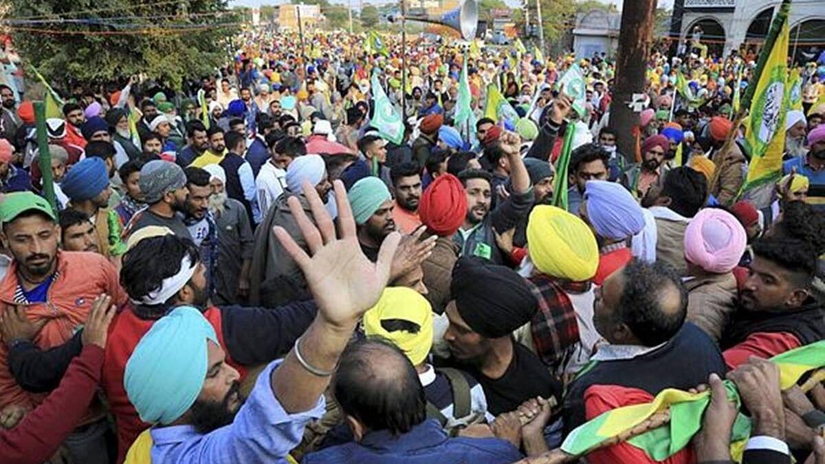 Farmers Protest: अब तक 22 किसानों की मौत, राहुल गांधी ने पूछा- और कितने अन्नदाताओं को कुर्बानी देनी होगी?