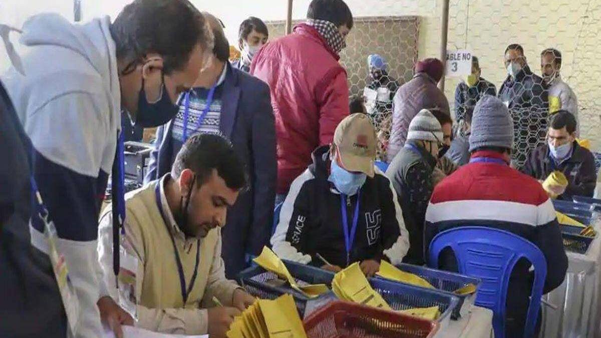 जम्मू-कश्मीर: बीजेपी के गढ़ में लोकल चुनाव हार गए पार्टी के पूर्व मंत्री, निर्दलीय उम्मीदवार ने इतने वोटों से दी पटखनी
