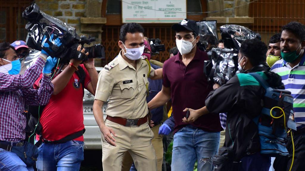 ड्रग्स केस: रिया चक्रवर्ती के भाई शौविक को 3 महीने बाद मिली जमानत, 4 सितंबर को NCB ने किया था गिरफ्तार