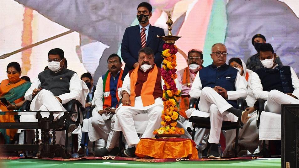 मध्य प्रदेश की कमलनाथ सरकार गिराने में पीएम मोदी की थी भूमिका, बीजेपी के कैलाश विजयवर्गीय का बड़ा खुलासा