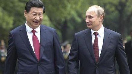 दुनिया की 5 बड़ी खबरें: शी चिनफिंग ने रूसी राष्ट्रपति पुतिन से फोन पर की बात और कोरोना के नए स्ट्रेन को लेकर बड़ा खुलासा