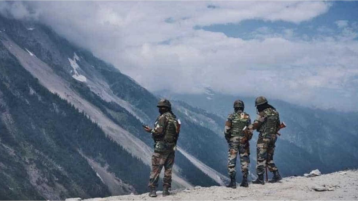 एलएसी के करीब जारी है चीन की चालबाजी, नीचले क्षेत्रों में बनाए कई सैन्य शिविर, ताकत बढ़ाने में लगा