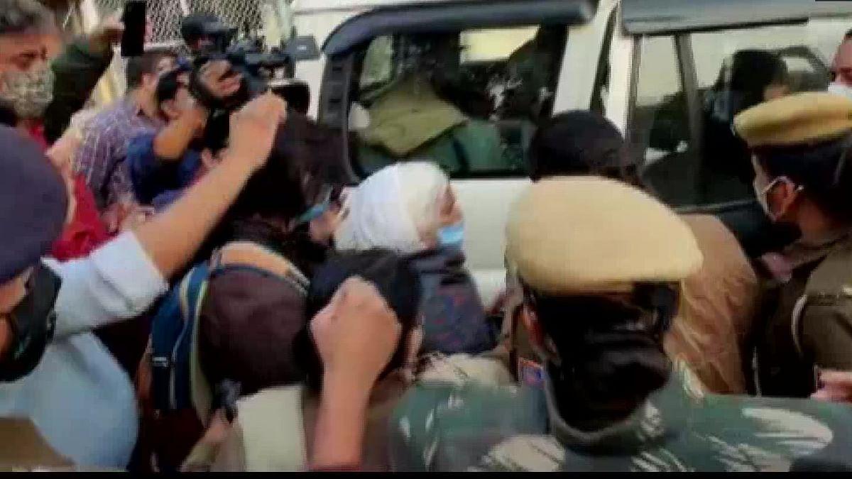 किसानों के समर्थन में बॉर्डर पहुंचीं शाहीन बाग की दादी, दिल्ली पुलिस ने हिरासत में लिया